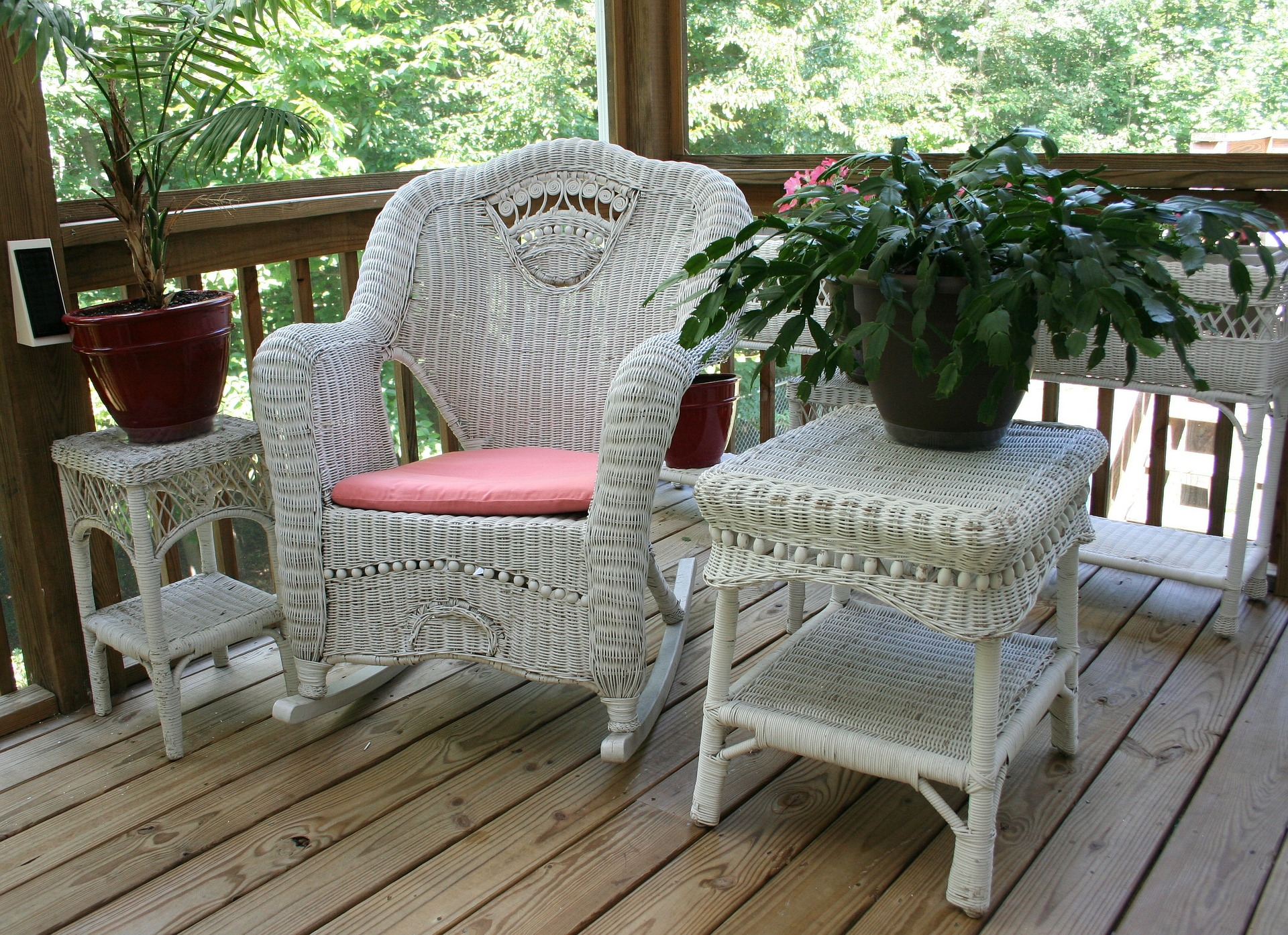 4 wicker-rocking-chair-50613_1920